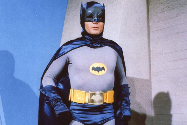 15 elementos para recordar al Batman de Adam West