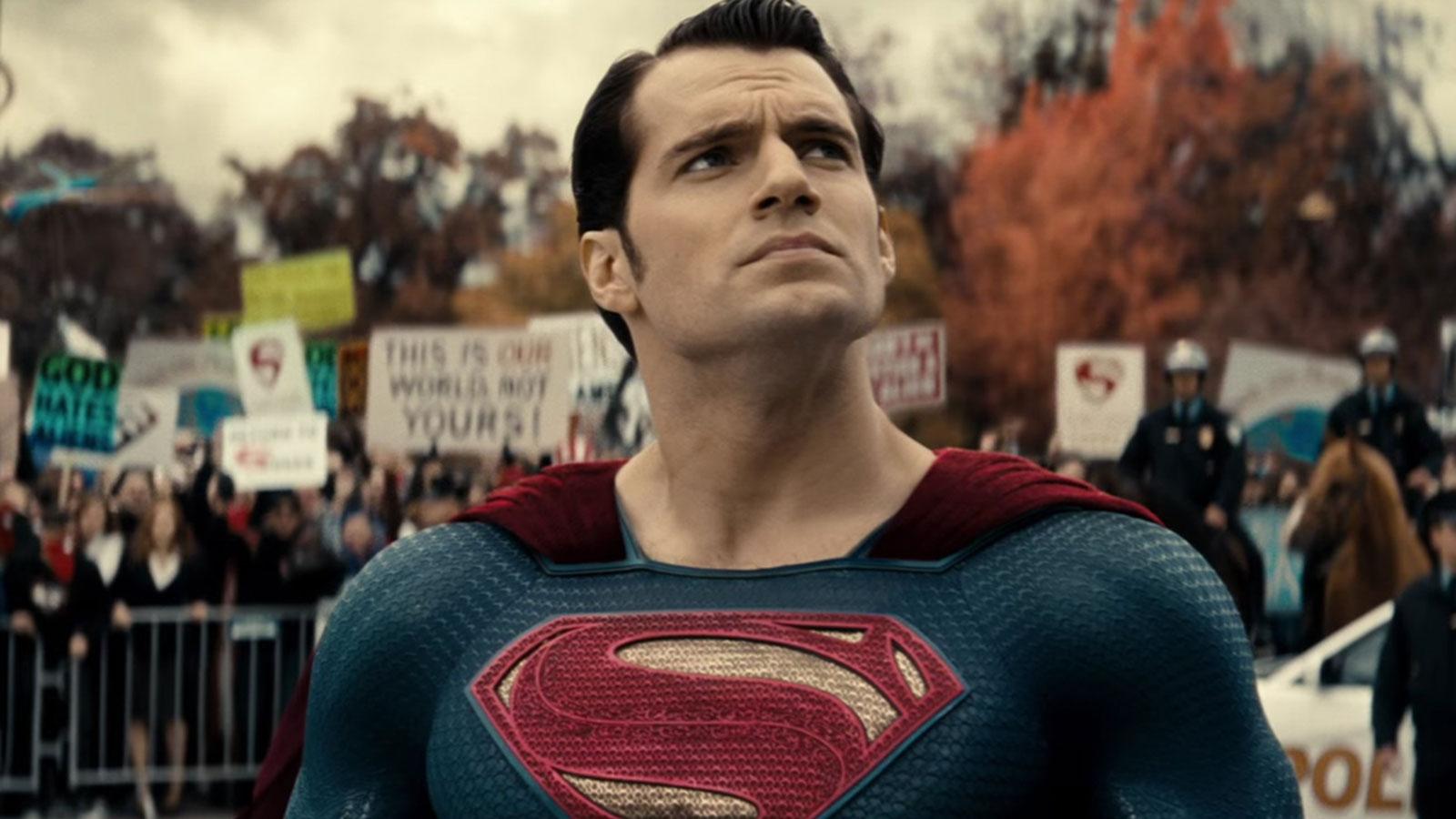 Henry Cavill Black Suit Superman Snyder Cut