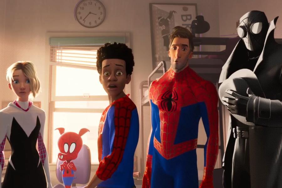 Spider-Ham junto a los otros arácnidos.