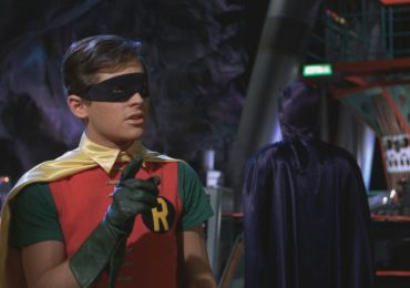 ¡Santas sorpresas! Burt Ward estará en Crisis on Infinite Earths