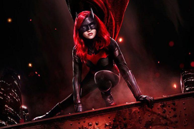 ¡Su tiempo es ahora! Nos anuncia Batwoman en nuevo póster