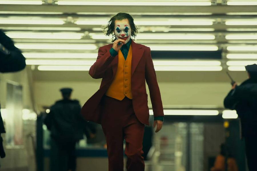 Blink-182 hace tremendo homenaje al Joker en concierto