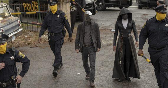 ¿Porqué los policías están enmascarados en la serie Watchmen?