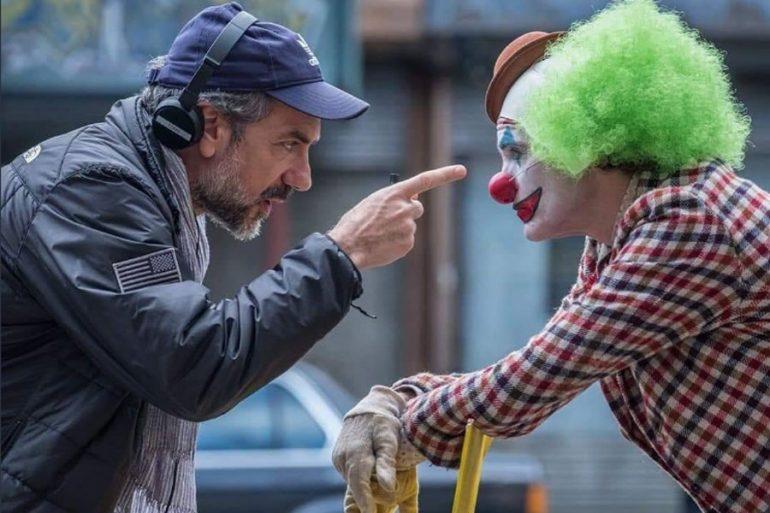 Todd Phillips dirigiendo a Joker
