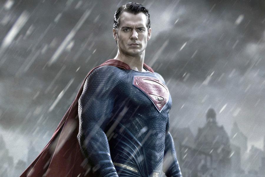 Henry Cavill no ha renunciado a Superman