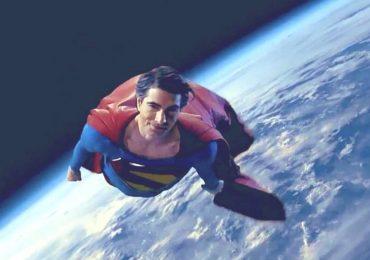 Crisis rinde homenaje al Superman de Christopher Reeve