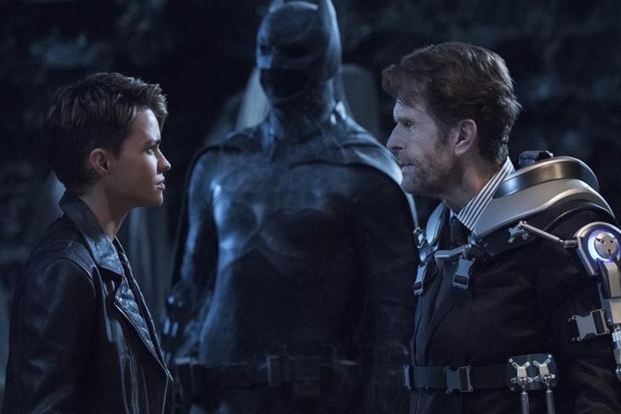 ¿Batwoman está ligada a la trilogía de The Dark Knight?