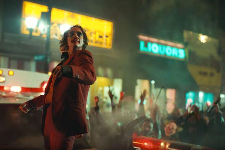 Joker (Joaquin Phoenix) es arrestado en Washington