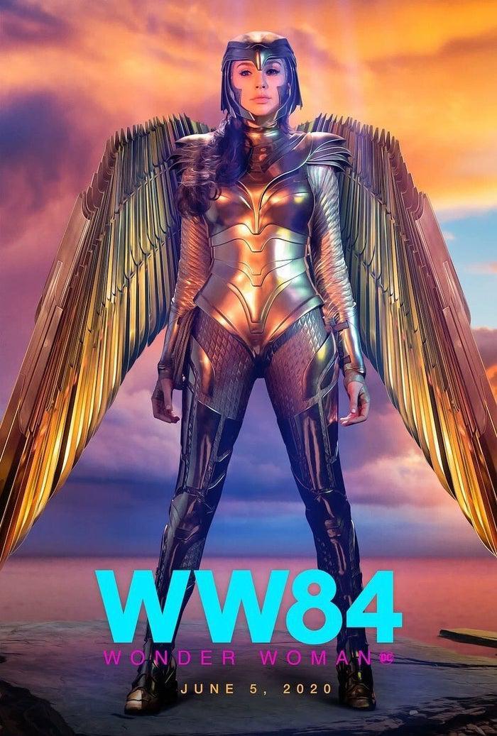 Más y más pósters de Wonder Woman 1984 con la armadura dorada