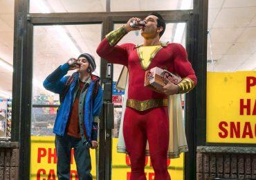 Zachary Levi festeja en redes el primer aniversario de Shazam!