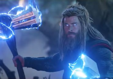 Chris Hemsworth, el guardián del Mjonlir y el Stormbreaker