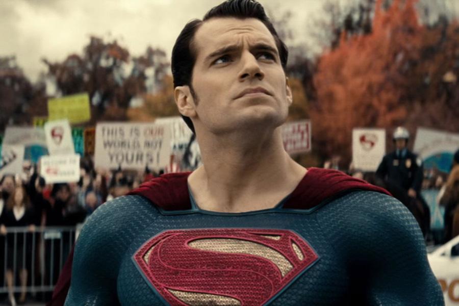 ¡Henry Cavill volvería como Superman al cine!