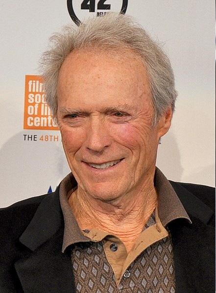Clint Eastwood estuvo cerca de protagonizar Batman Beyond. Batman del Futuro.