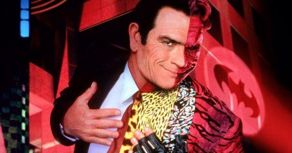 Se devela una foto inédita de Two-Face en el rodaje de Batman Forever