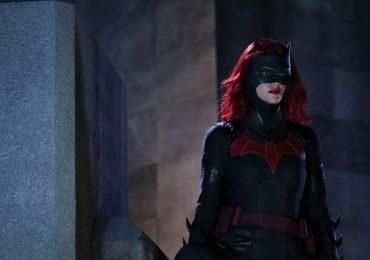 Caroline Dries justifica la elección de una nueva Batwoman