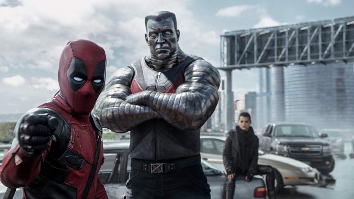 ¡A lo Deadpool! Ryan Reynolds irrumpe en reunión del elenco de X-Men