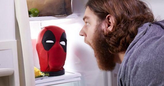 Tu nuevo mejor amigo: la cabeza parlante de Deadpool
