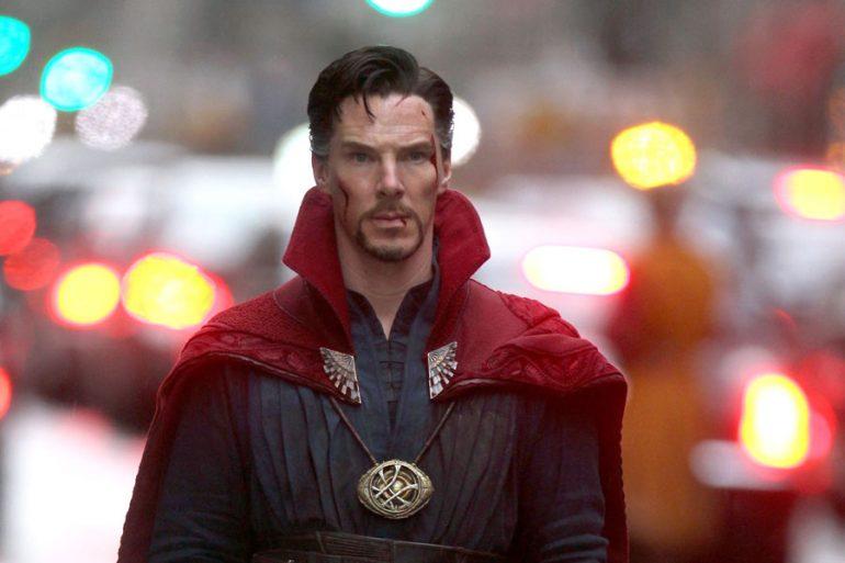 Video de Benedict Cumberbatch como Doctor Strange en una tienda de cómics