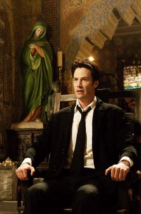 ¿En Constantine se hubiera presentado a otros héroes de DC?