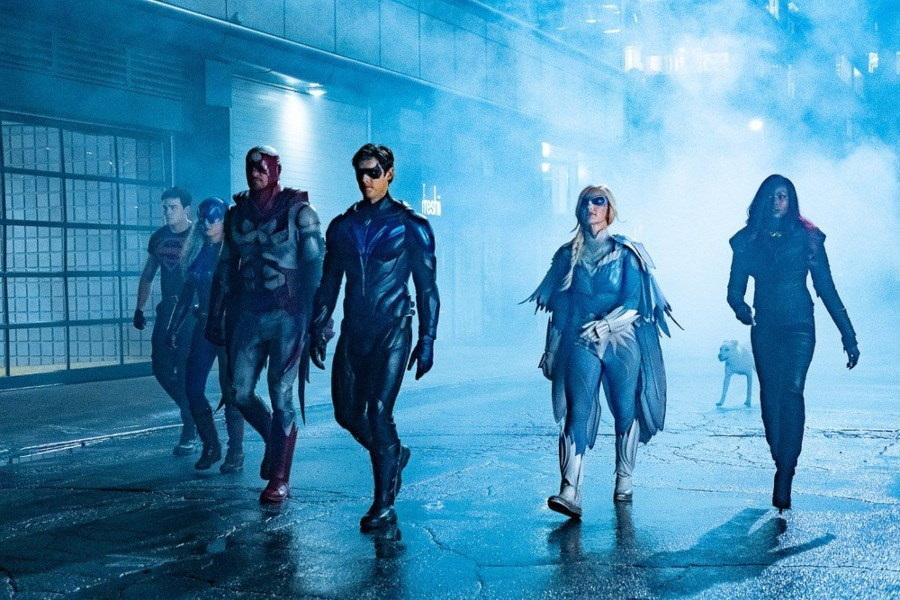 ¿Cuando regresan las series del Arrowverse a filmaciones?