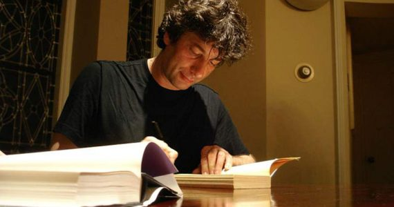 5 lecturas fundamentales escritas por Neil Gaiman