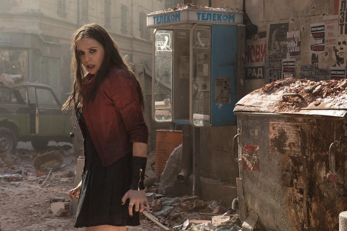 Avengers-Bruja-Escarlata-Scarlet-Witch-Historia-de-Marvel-escombros