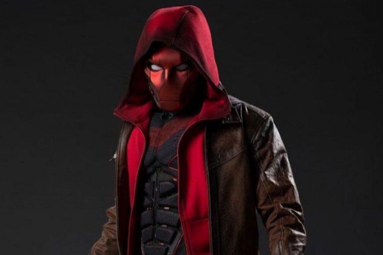 Curran Walters, el Jason Todd de Titans, revela una foto detallada de Red Hood