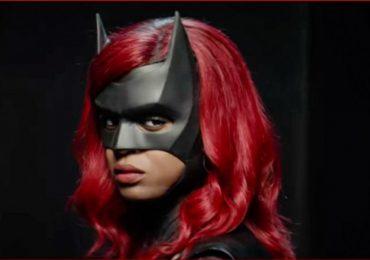 Video: ¡Es hora de ser poderosa! Ryan Wilder se pone el traje de Batwoman