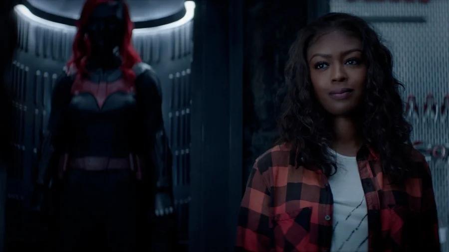 El crossover entre Batwoman y Supergirl no se realizará en 2021