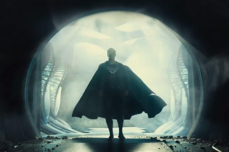 ¿Porqué Superman usa el traje negro en Justice League? Zack Snyder lo explica