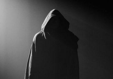 Dwayne Johnson revela poco a poco el traje de Black Adam