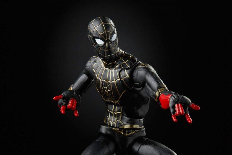 Spider-Man: Sin Camino a Casa presenta varios trajes a través de sus productos
